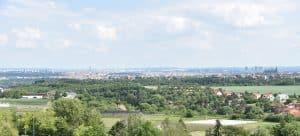 Výhled na Prahu z areálu ČZU